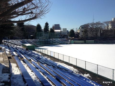 20130119075町田市民球場は、まだ真っ白!