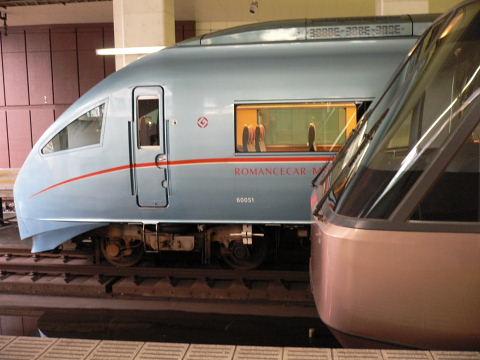 2008102501.jpg ロマンスカーMSE・EXE競演