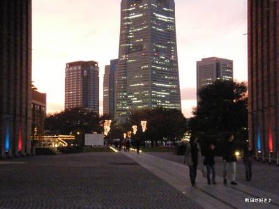 2009111452 横浜の夕景