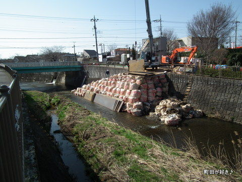 2012032008恩田川・高瀬橋下の工事