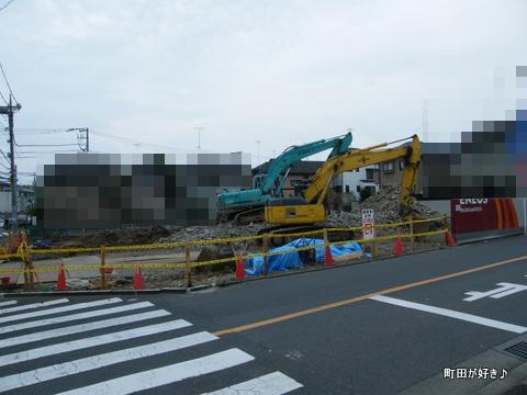 2010071128成瀬街道高ヶ坂Dr.Drive町田店