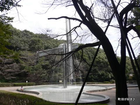2009092342芹ヶ谷公園を歩く 噴水広場