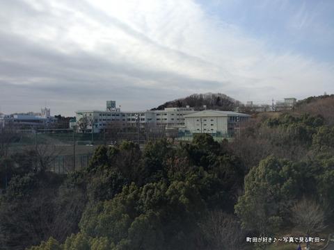 20130303062新装開店の町田市立陸上競技場