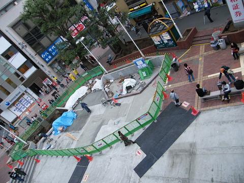 20081115056.jpg カリヨン広場工事中