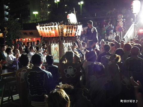 20110925165町田天満宮 例大祭 宮入りの様子