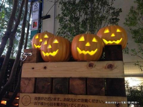 2013102627カボチャのオバケ〜〜
