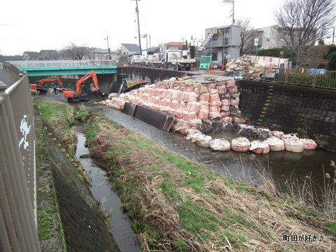 2012031804恩田川・高瀬橋下の工事