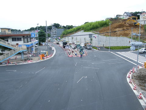 2009071147.jpg 鎌倉街道今井谷戸交差点改良工事
