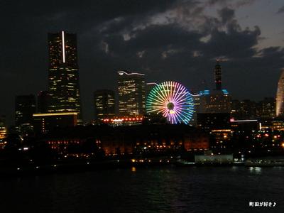 2009100379 みなとみらいと夜景