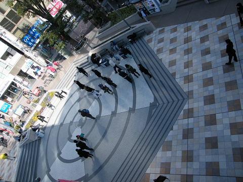 20090221081.jpg カリヨン広場工事完了