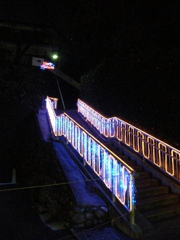 2008120632.jpg 玉川学園前駅北口イルミネーション