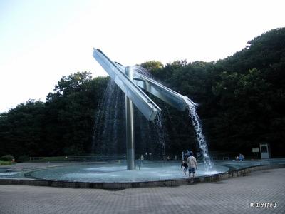 2010082203芹ヶ谷公園池噴水