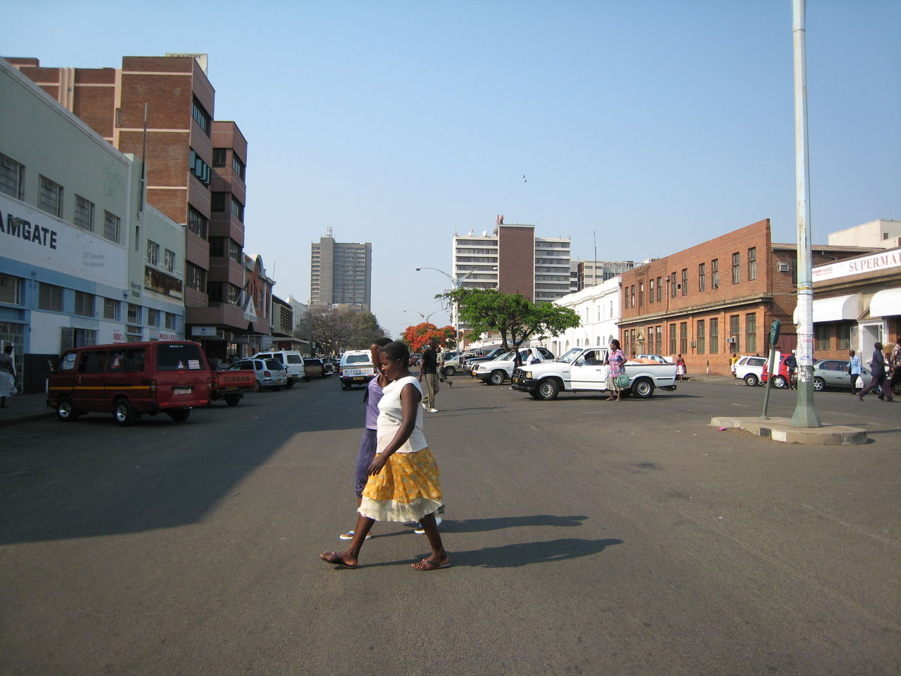 ジンバブエ : 2nieces