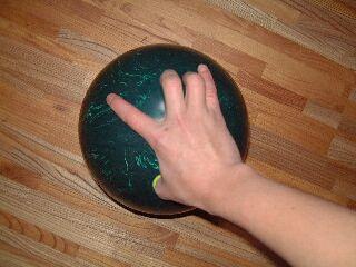 bowling-howtograb