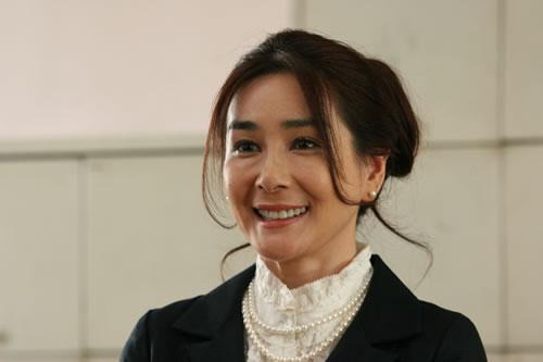 ツイッター速報「プッツン女優」 石原真理子さん(53) 万引きで逮捕  東京都内のコンビニで弁当とお茶コメントする