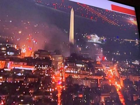 【アメリカ暴動】米国首都ワシントンDCが炎上 携帯もネットも使えず音信不通 トランプ大統領はホワイトハウス地下へ避難(動画あり)