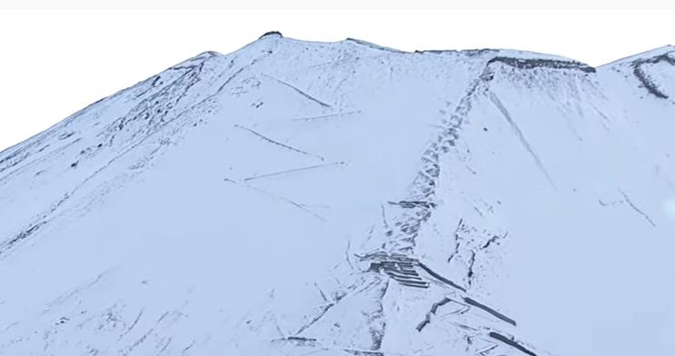 滑落 ニコニコ 富士山