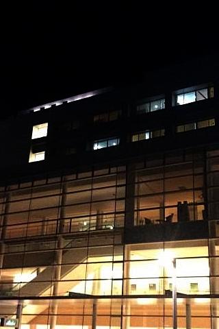 夜の医療センター