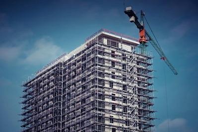 工事中のマンション