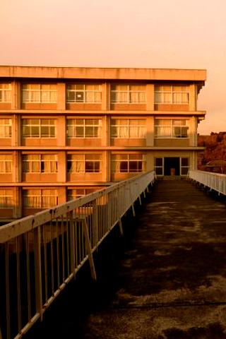 夕焼けの校舎