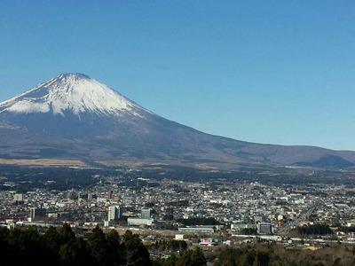富士山の麓の街