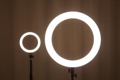 8in20inリングライト全灯中間明度