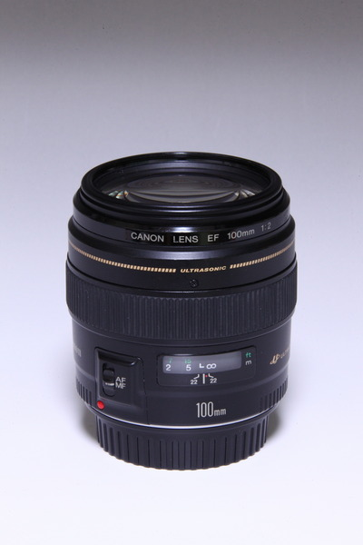 Canon EF100mm F2 USM
