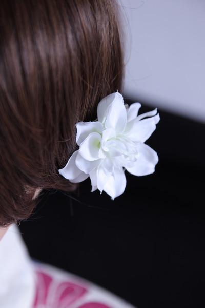 白い髪飾り