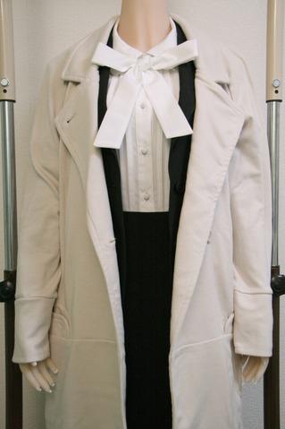 TPEドール コートを着せる
