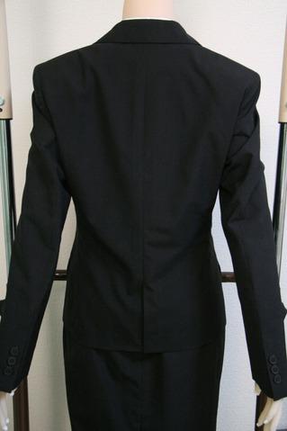 TPEドール ジャケットを着せる