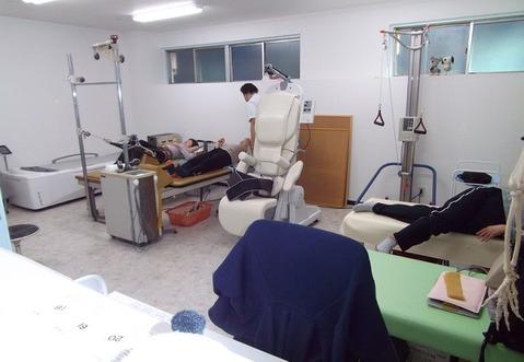 1僕が撮った整形外科病院のリハビリ室