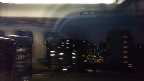都内で資格試験後の帰りの新幹線の窓から1
