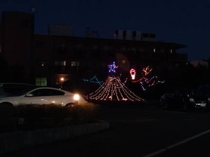 病院に富士山型のクリスマスネオンが飾られていたとこをデジカメ写真撮影