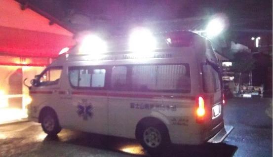 12月冬の真夜中に隣のオバさん救急車を呼び運ばれた01 (1)