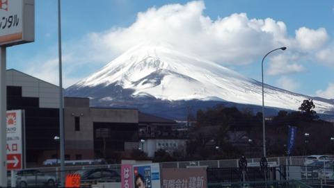 母の見舞い途中に撮った巨大な富士山写真で