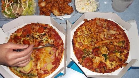 年末12月26日にドミノピザを買って嫁氏とピザーラと比較