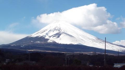 母の見舞い病院近くから撮った巨大な富士山写真