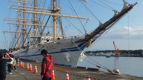 帆船日本丸からおりた時の日本丸の写真