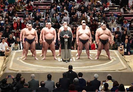 『大相撲 初場所 初日』
