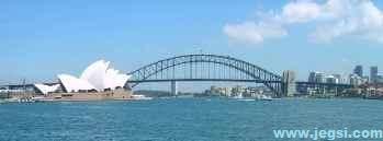 シドニーのオペラハウスとハーバーブリッジ