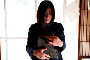 嫁の骨壷と浮気の証拠