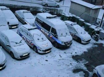 違法駐車のDQNカー