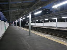 事の始まりは駅で突き落