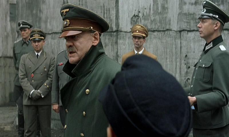 の ヒトラー 日間 最期 12