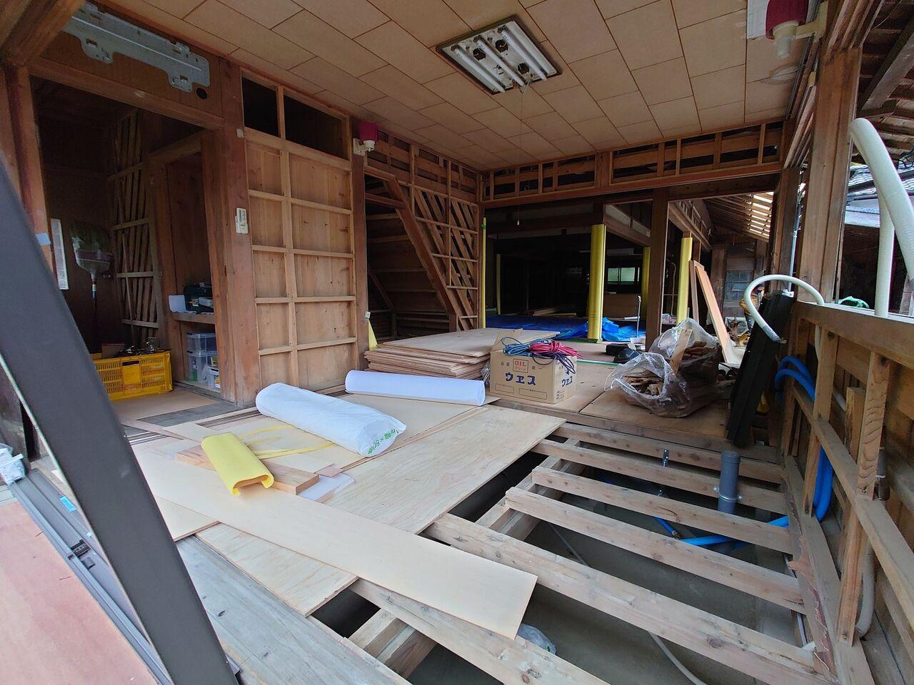 20210315シェルターインハウス設備先行・大工工事へ