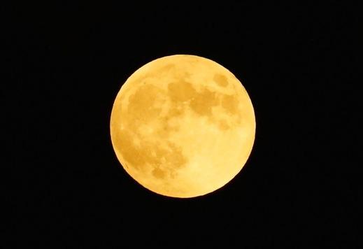 141008自宅からの満月