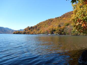 中禅寺湖畔ボートハウス10月�