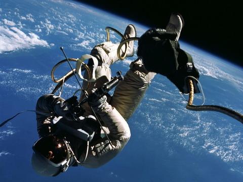 white-first-american-spacewalk