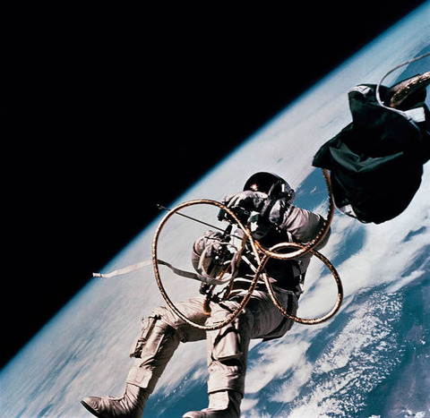 white-spacewalk-limb-earth