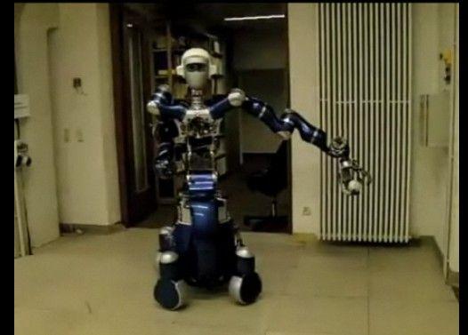 キャッチボールする二台のロボット